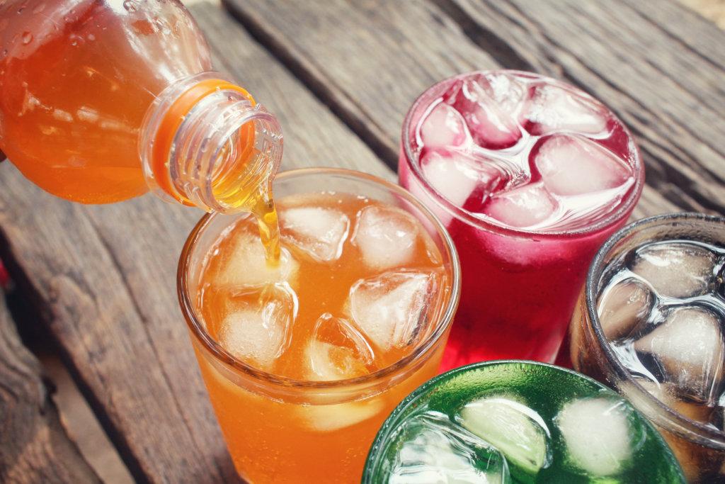 Bebidas veganas, lo que debes saber de los refrescos veganos